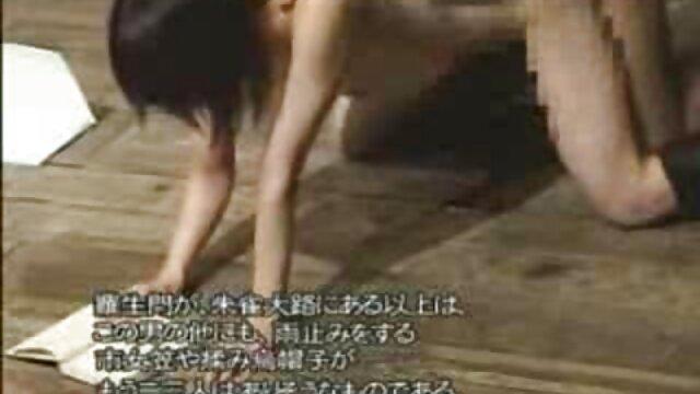 Paar hat Spaß in der reife damen sexfilme Küche