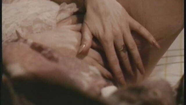 Geil Mädchen Tila liebt große reife damen erotik Schwänze
